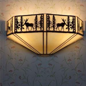 ティファニーライト 壁掛けライト 壁掛け照明 ウォールランプ ステンドグラス製 鹿&森柄 2灯 BEH404010