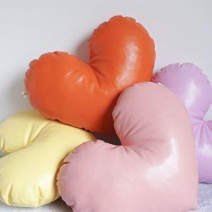 ぬいぐるみ 抱き枕 クッション 腰枕 飾り物 手作り PU皮革 ハート プレゼント DP28007