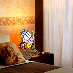 テーブルランプ ティファニーライト ステンドグラスランプ 卓上照明 蝶型 1灯