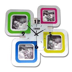 【壁掛け時計】フォトフレーム付写真4枚収納と時計が一体♪