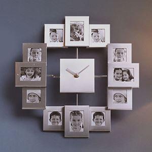 【壁掛け時計】フォトフレーム付写真12枚収納と時計が一体♪