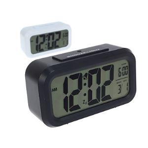 デジタル時計 LED付き 夜光番号
