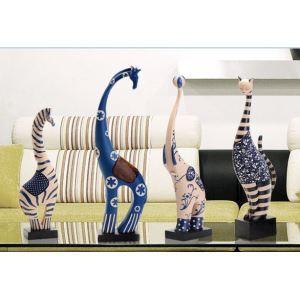 ヨーロッパ スタイルのファブリック包まれた無害ポリレジン動物の装飾的な Oranment の手作り