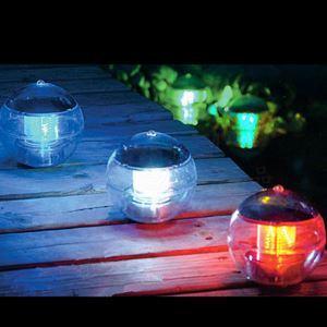 《格安》LEDソーラーライト 色が変更する 池&湖に取付