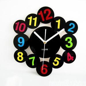 時計 壁掛け時計 静音時計 カラフルな数字時計 個性的