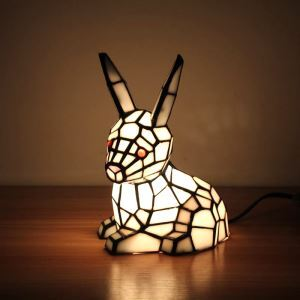 テーブルランプ ティファニーライト ステンドグラスランプ 枕元スタンド ナイトライト ウサギ型 1灯