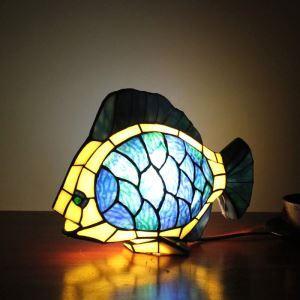 テーブルランプ ティファニーライト ステンドグラスランプ 枕元スタンド ナイトライト 金魚型 1灯