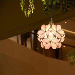 ペンダントライト リビング照明 ダイニング照明 寝室 玄関 廊下 店舗 ガラス 6畳8畳 花型 洋風 気泡無し 1灯